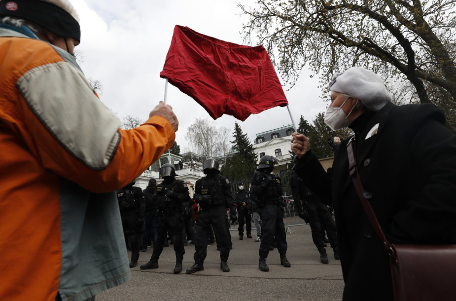 Protestas prie Rusijos ambasados Prahoje
