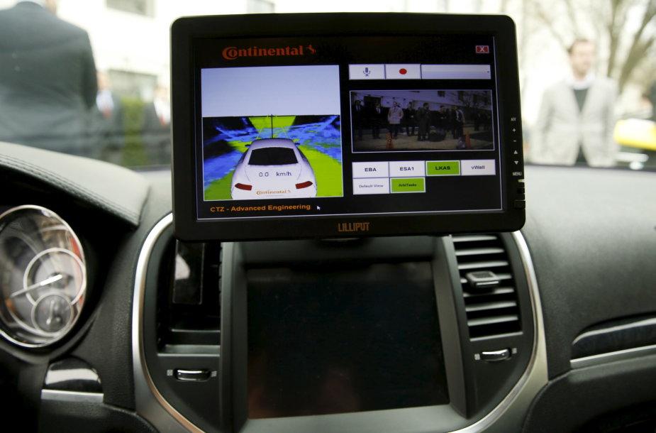 Amerikos senatoriai išbandė penkis autonominius automobilius