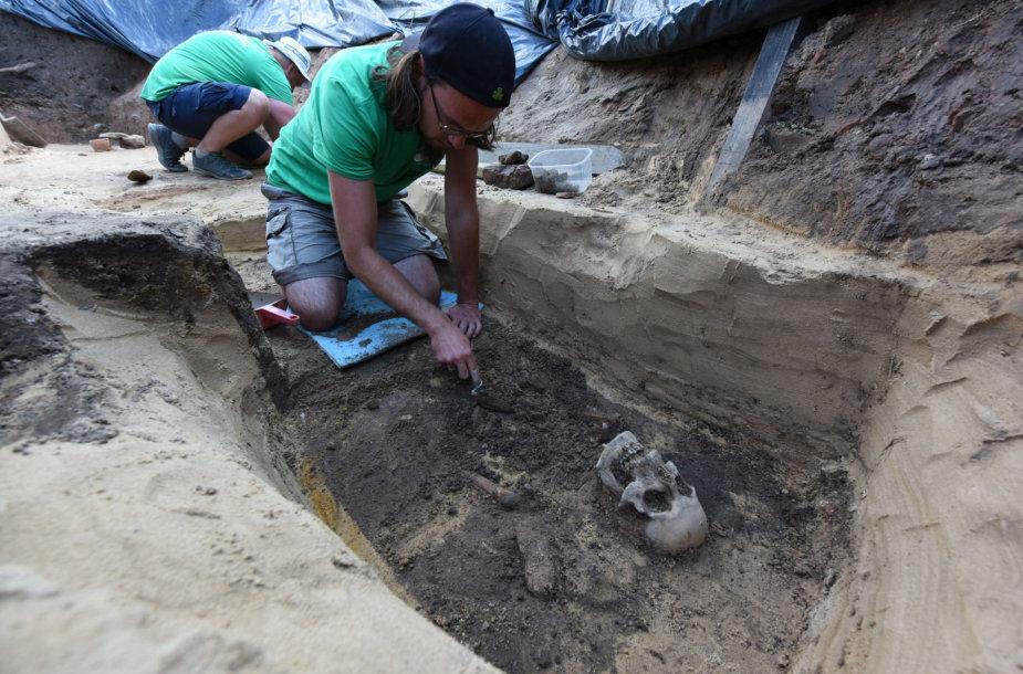 Archeologiniai tyrimai Gedimino pilies kalno aikštelėje