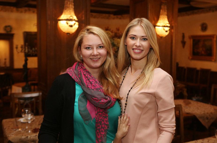 Sandra Daukšaitė su seserimi Giedre