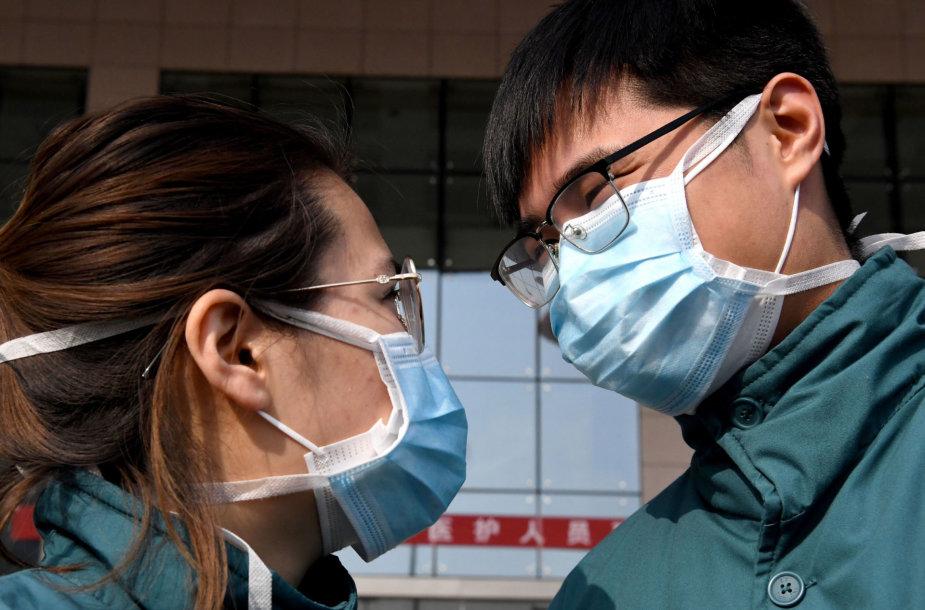 Koronavirusas tapo sunkiu išbandymu poroms