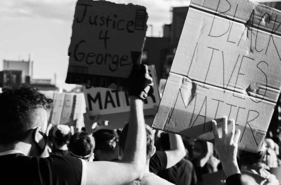 Momentas iš protesto JAV