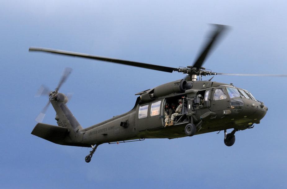 """JAV kariuomenės sraigtasparnis """"Black Hawk"""""""
