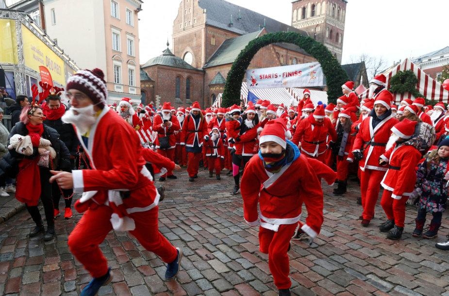 Kalėdų vyko Senelių bėgimas.