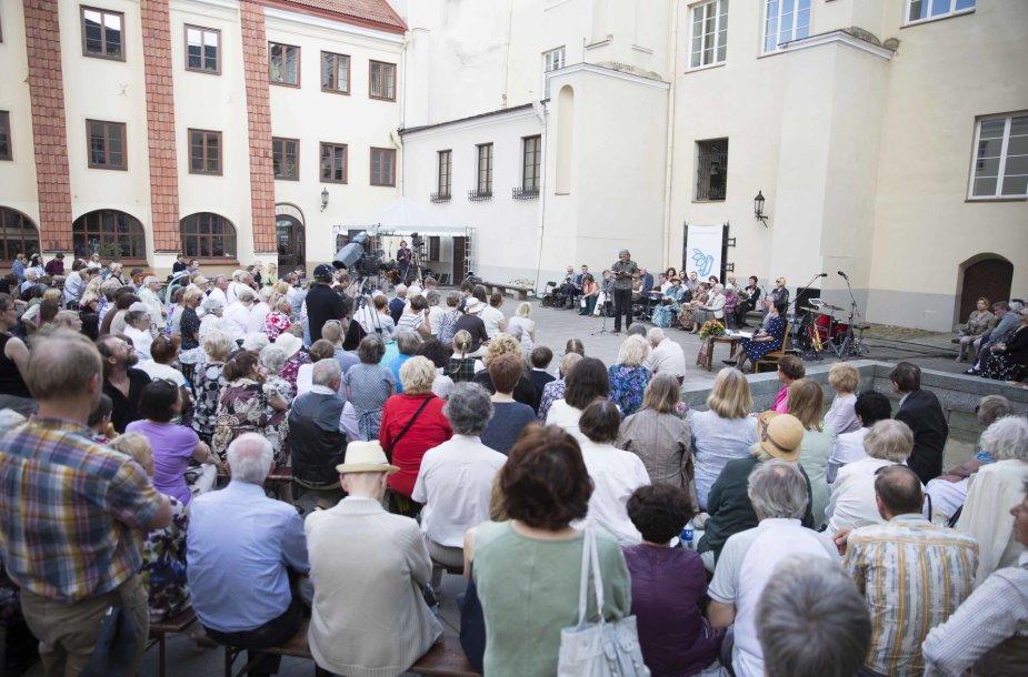 Baigiamasis poezijos festivalio Poezijos pavasaris vakaras