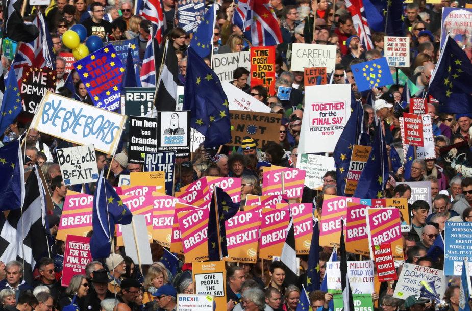 """Jungtinės Karalystės parlamentas sprendžia dėl """"Brexit"""" susitarimo"""