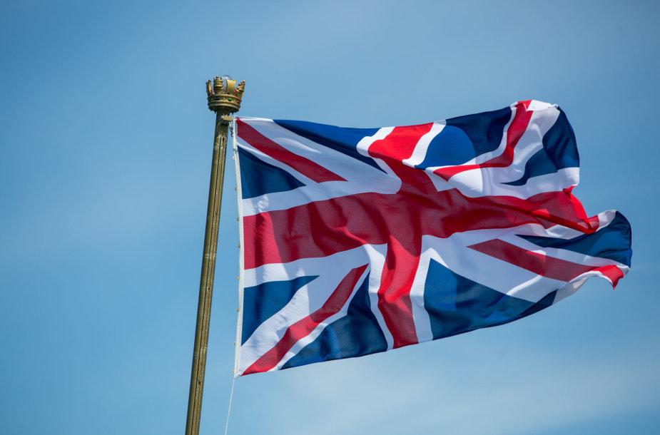 """Jungtinės Karalystės karališkųjų karinių jūrų pajėgų laivas flagmanas """"HMS Albion"""""""