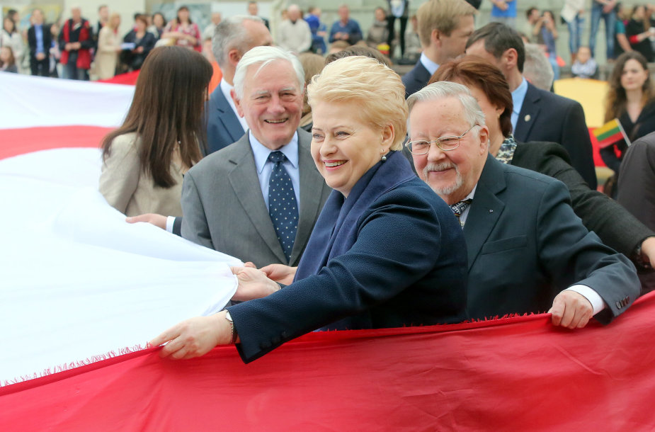 V.Adamkus, D.Grybauskaitė ir V.Landsbergis. Katedros aikštė, Vilnius. 2015 m.