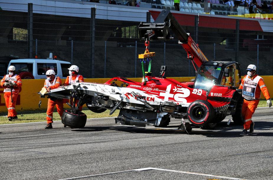 """Avarija """"Formulės 1"""" lenktynių Toskanoje pradžioje"""