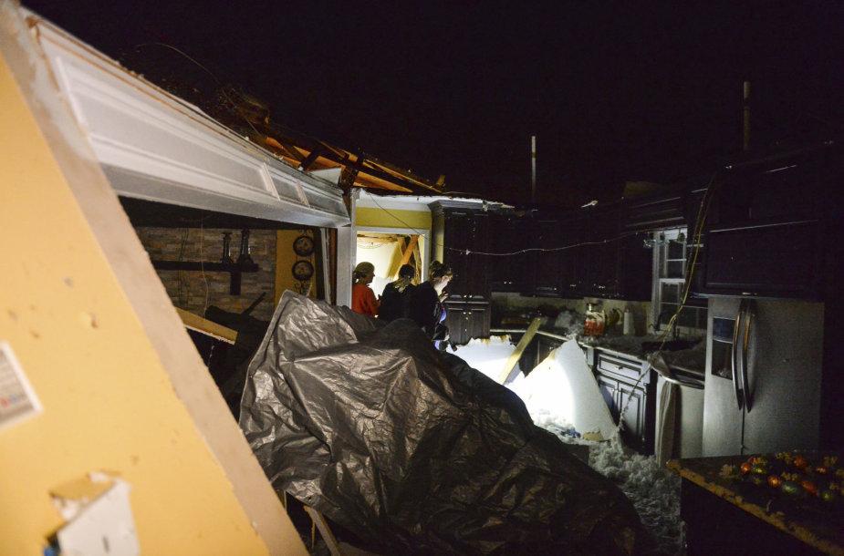 JAV pietryčius užklupo stiprios audros