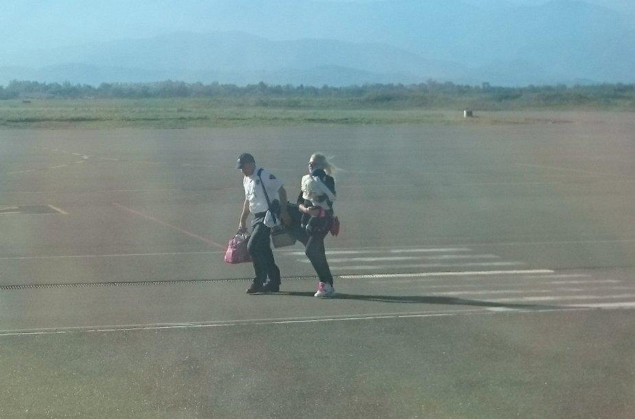 Kutaisio oro uosto darbuotojas padėjo į Gruziją atskridusiai lietuvei