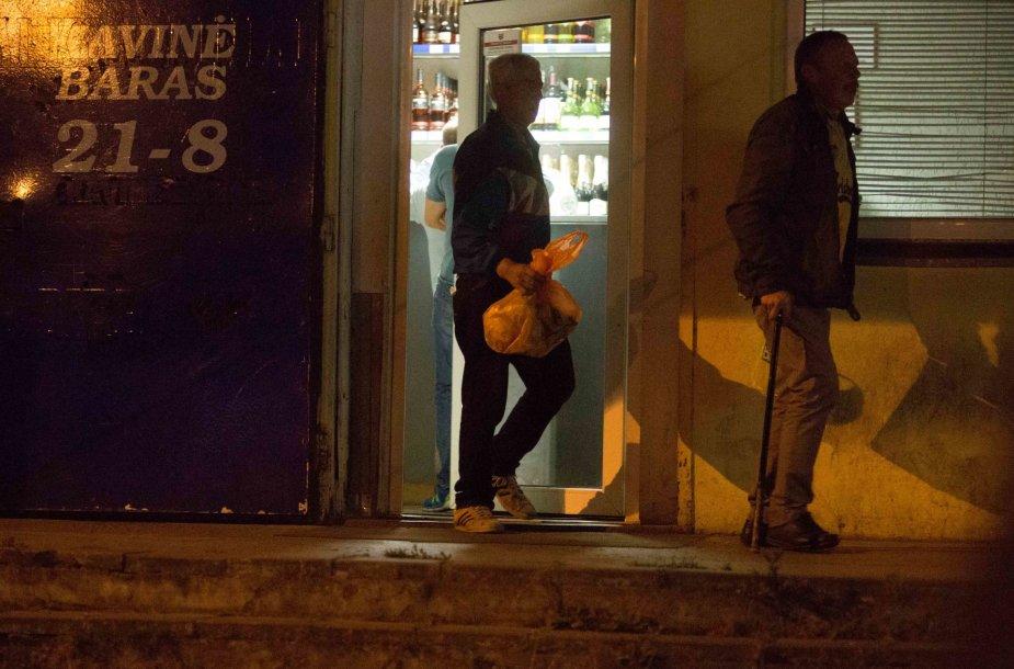 Rugsėjo 1-ąją į Vilniaus Panerių naktinį barą plūdo lankytojai nusipirkti alkoholio