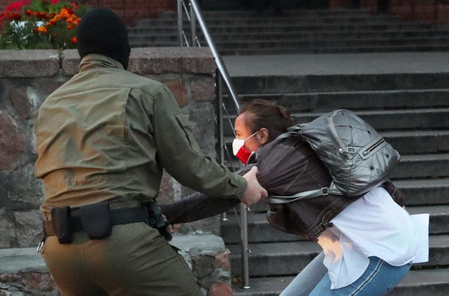 Minske sulaikoma protestuotoja