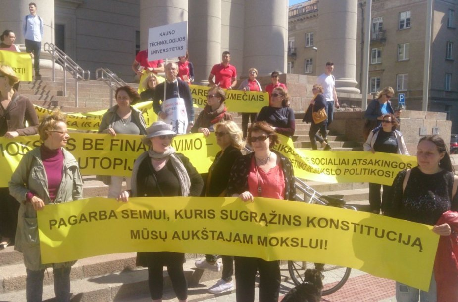 Lietuvos aukštųjų mokyklų profesinių sąjungų susivienijimo mitingas