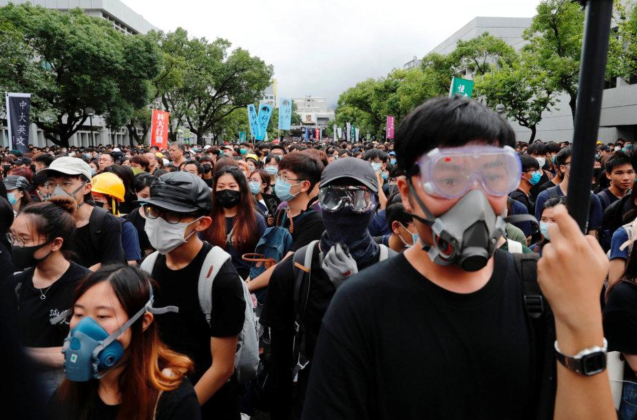 Honkonge dešimtys tūkstančių moksleivių boikotavo pirmąją mokslo metų dieną