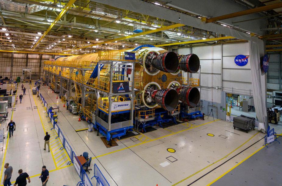 Gigantiškos NASA raketos SLS, skirtos skrydžiams į Mėnulį, apatinė dalis jau užbaigta