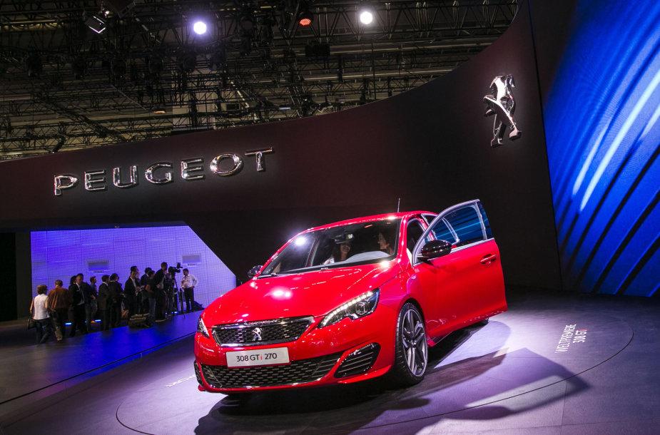 """""""Peugeot"""" stendas Frankfurto automobilių parodoje"""
