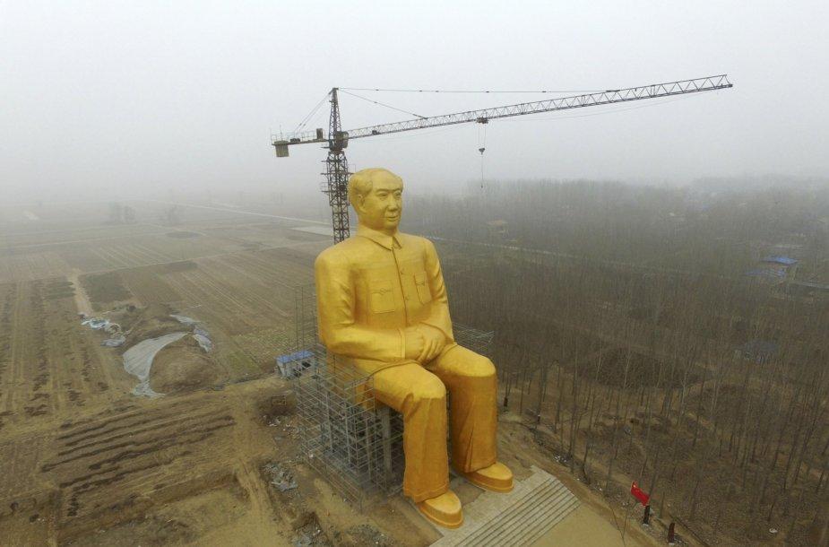 Kinijoje iškilo 36,6 m statula Mao Dzedongui