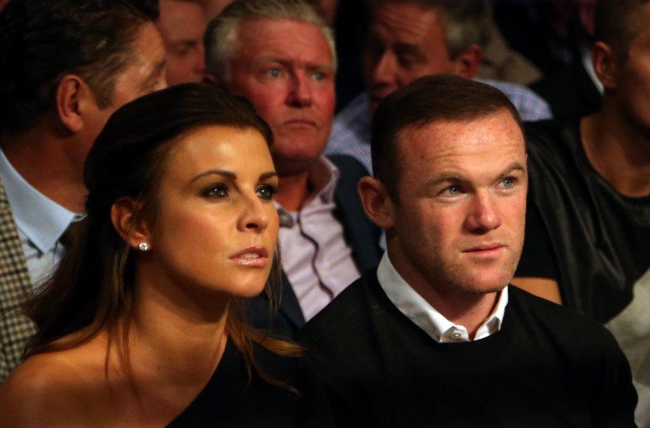 Coleen ir Wayne'o Rooney santykius temdo futbolininko žalingi įpročiai.