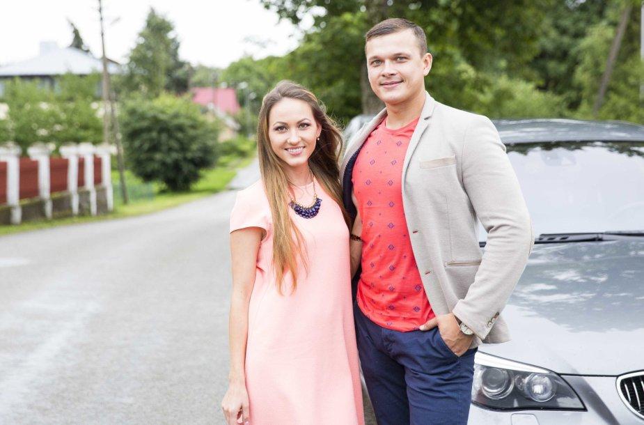 """Buvusi """"Mokinukių"""" narė Kristina Šerkšnienė su vyru Andriumi"""