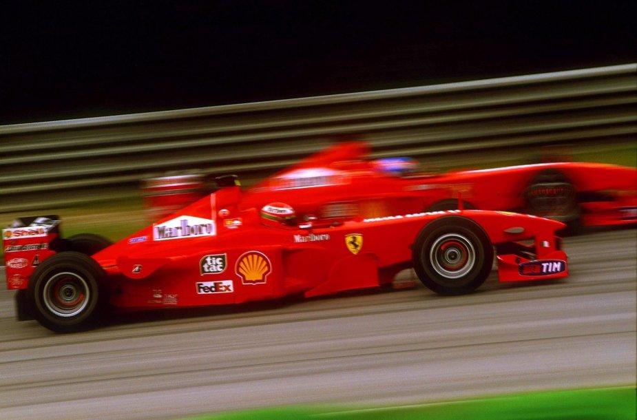 """""""Formulės 1"""" lenktynininkas Mika Salo"""