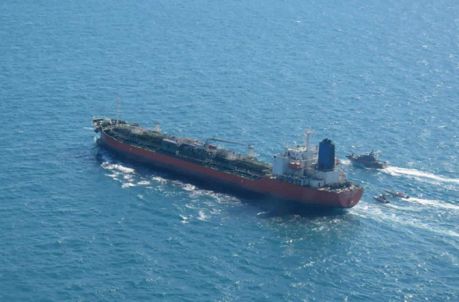 """Pietų Korėjos tanklaivis """"Hankuk Chemi"""""""