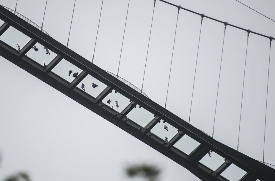 Ilgiausias pasaulio stiklo tiltas