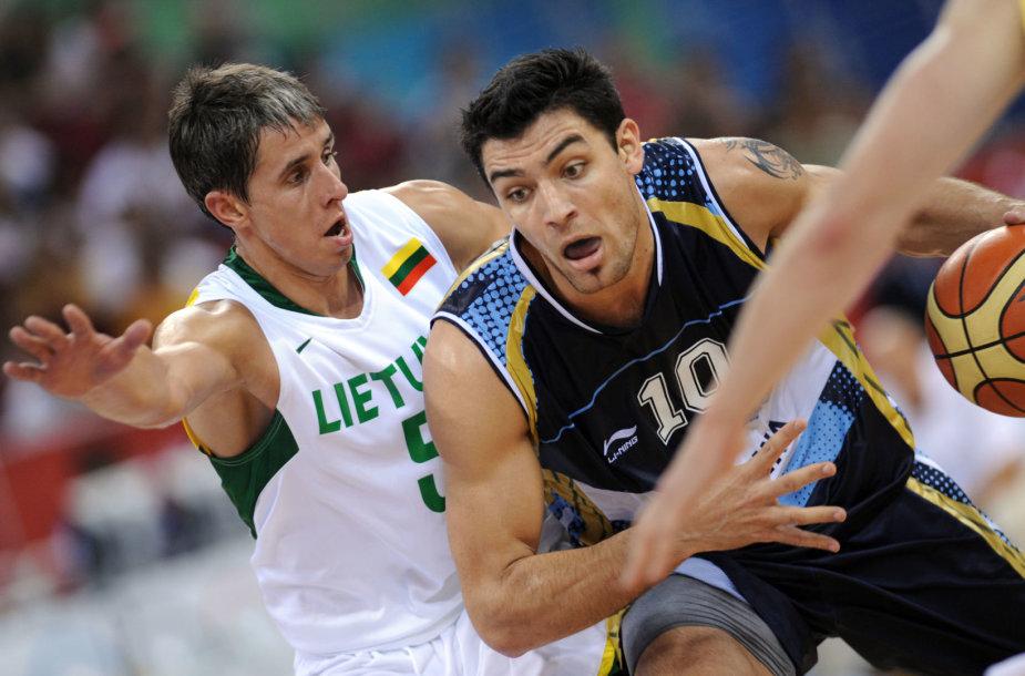 Carlosas Delfino per savo karjerą ne kartą žaidė su Lietuvos rinktine.