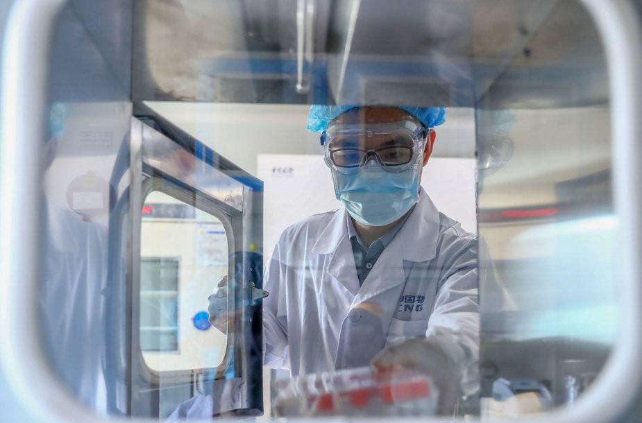 Vakcinos nuo COVID-19 bandymai Kinijoje