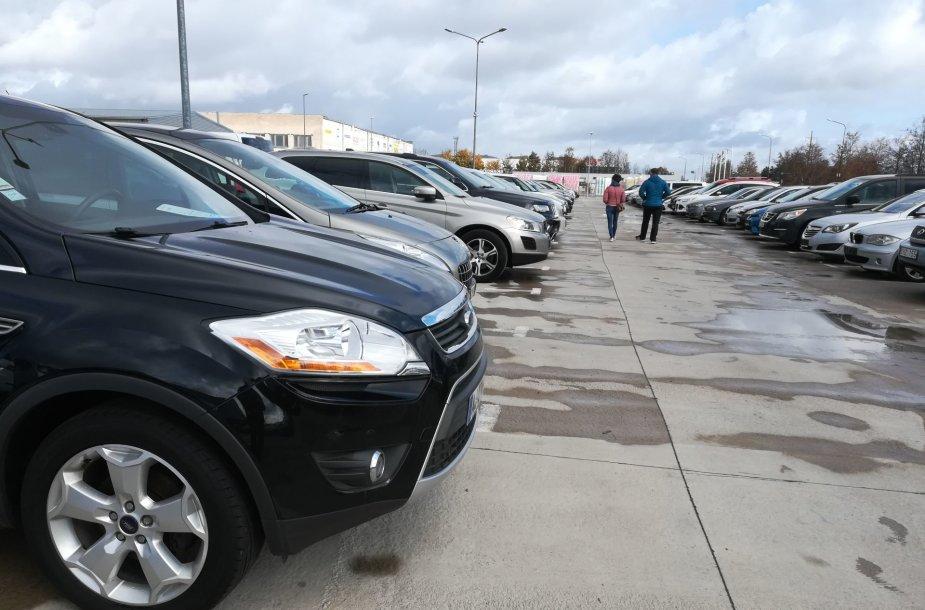 Automobilių prekybos aikštelė Šiauliuose