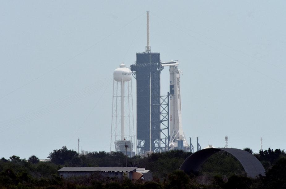 """SpaceX"" ""Crew Dragon"""