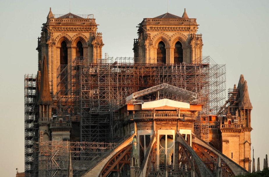 Metai po gaisro Paryžiaus Dievo Motinos katedroje