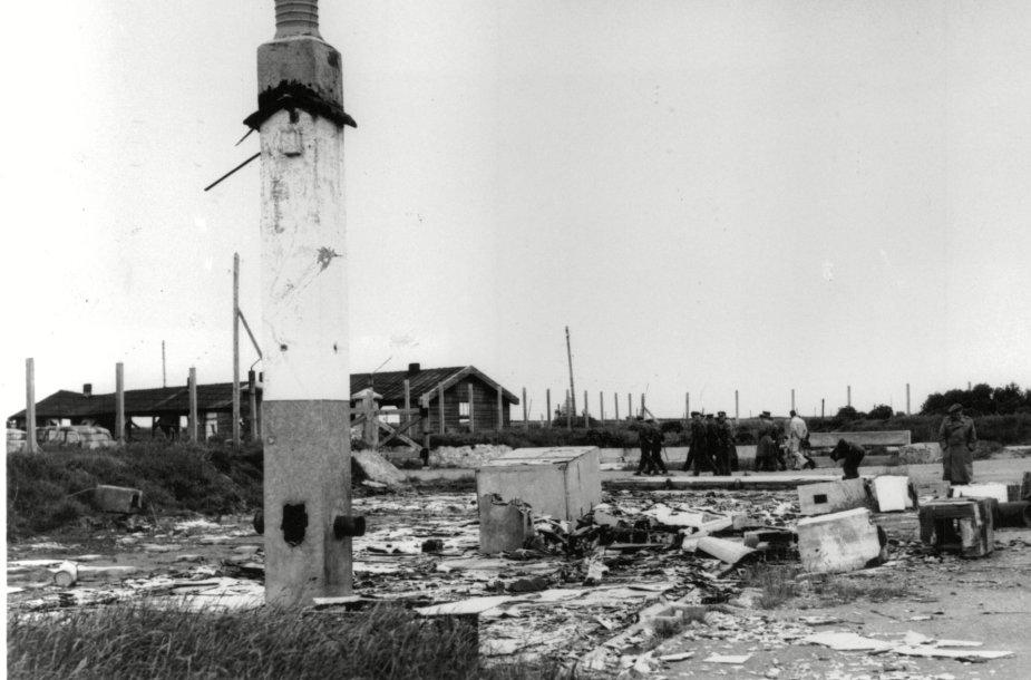 Buvusios Sylto koncentracijos stovyklos griuvėsiai, nufotografuoti 1945 m.