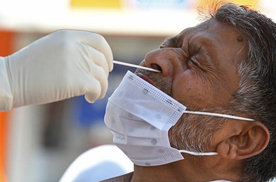 Koronaviruso testavimas Indijoje