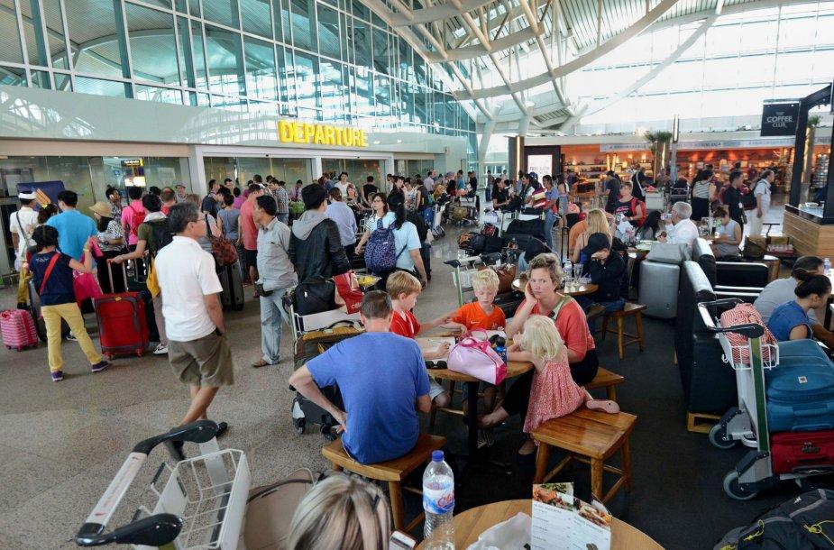 Keliautojai Indonezijos oro uoste