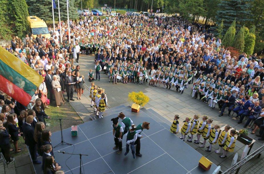 Moksleivių kasmet daugėja Akademijos Ugnės Karvelis gimnazijoje