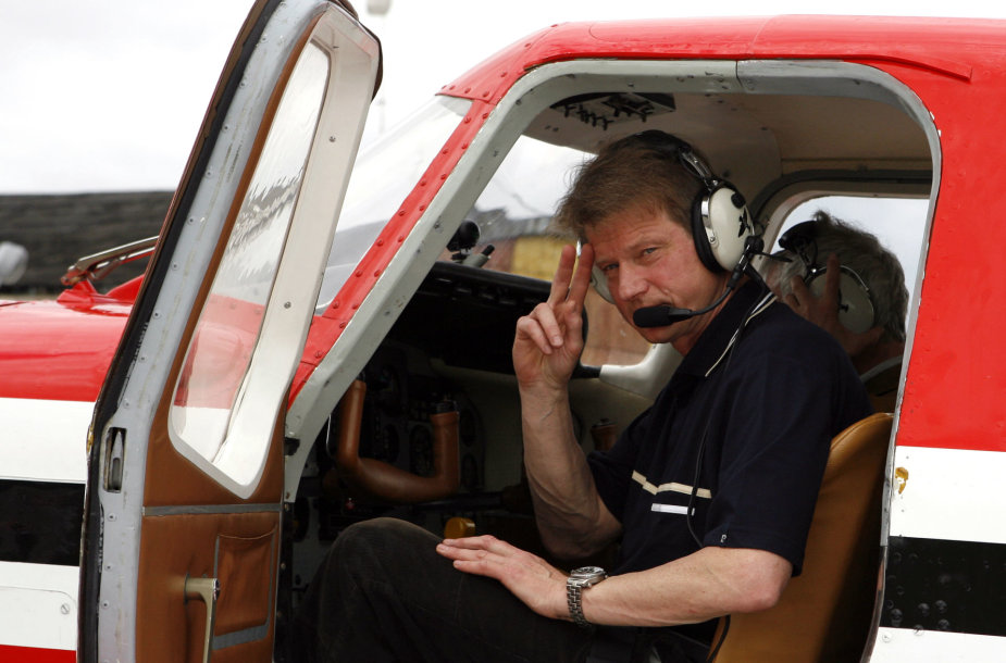 Rolandas Paksas lėktuve 2006 metais