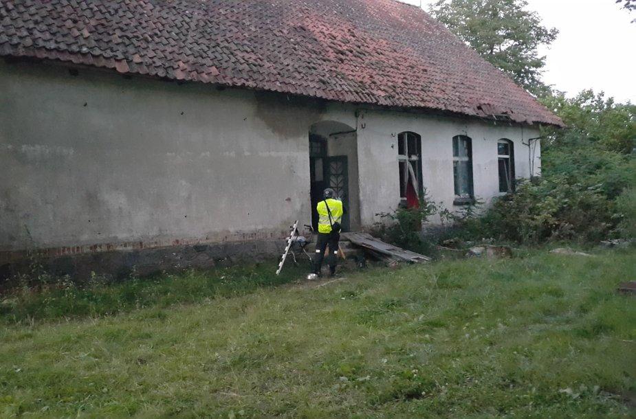 Sprogimas išvertė duris, išdaužė langus.