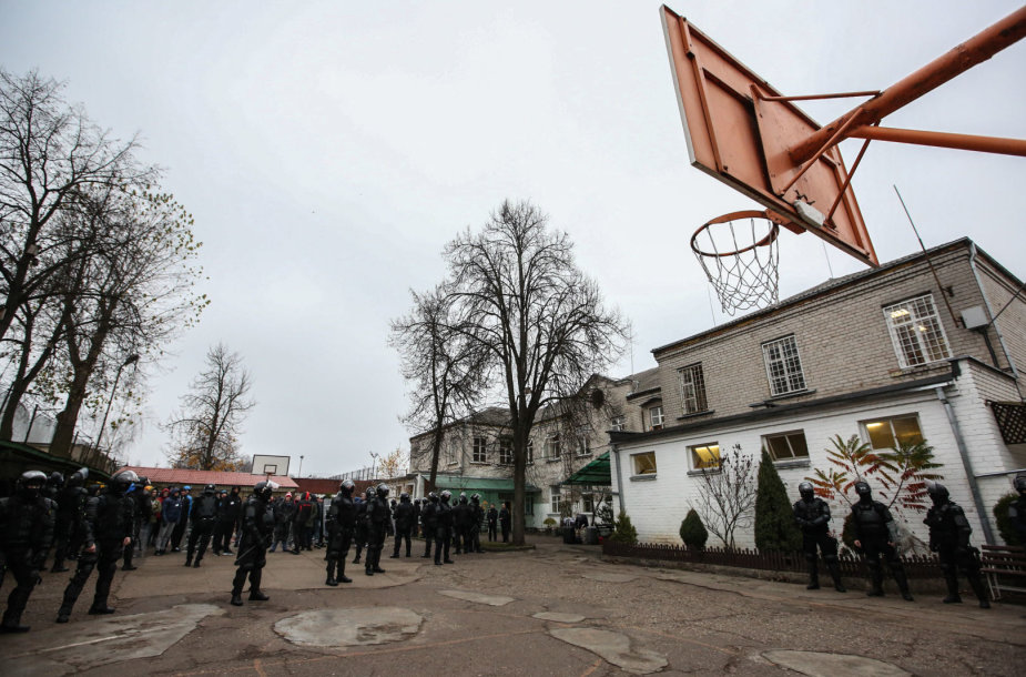Kalinių perkėlimas Pravieniškių pataisos namuose