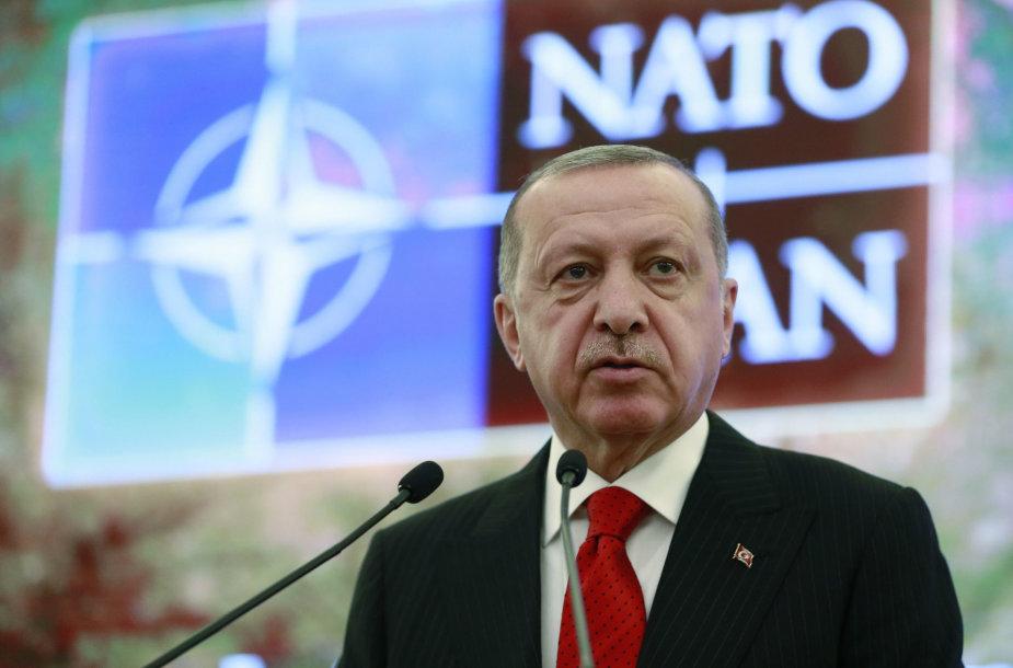 Ar R.T.Erdogano Turkija verta narystės NATO?