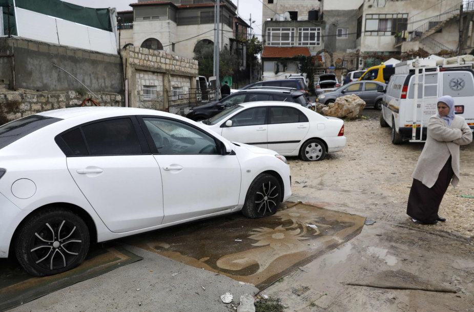 Jeruzalės palestiniečių rajone nuniokota daugiau kaip 160 automobilių