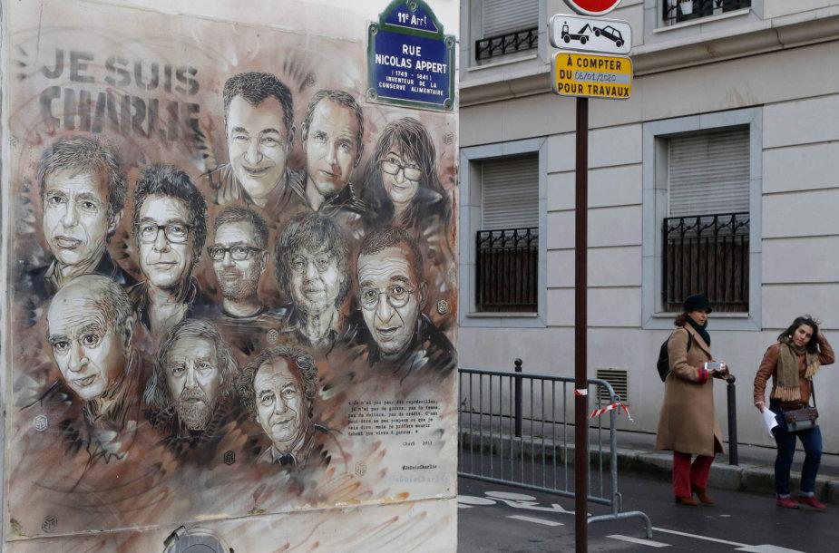 """Prancūzijoje minimos islamistų išpuolio prieš """"Charlie Hebdo"""" 5-osios metinės"""