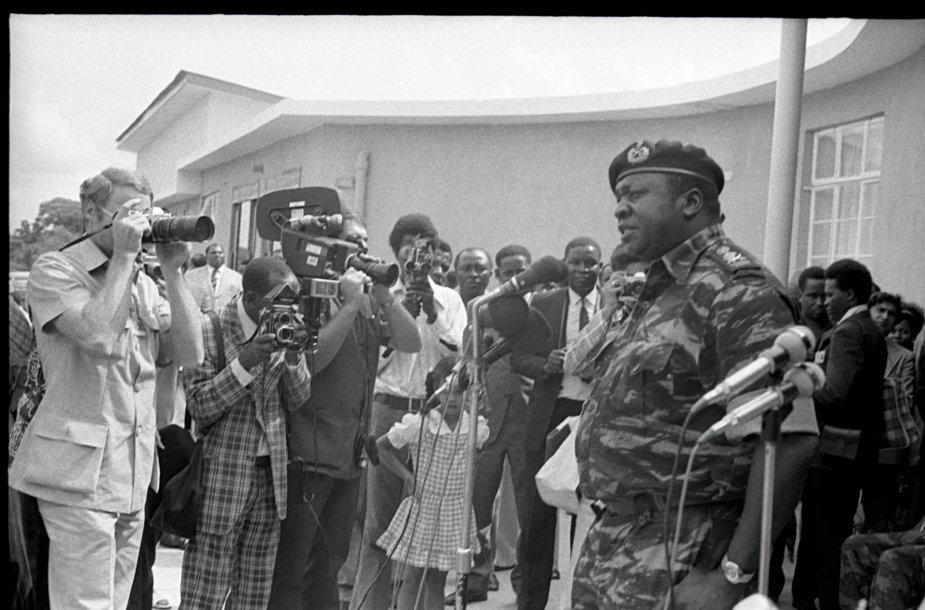 Idi Aminas sako kalbą 1975 m.