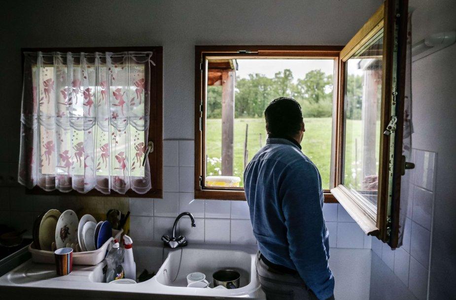 Sirų pabėgėliai Prancūzijos socialiniame būste