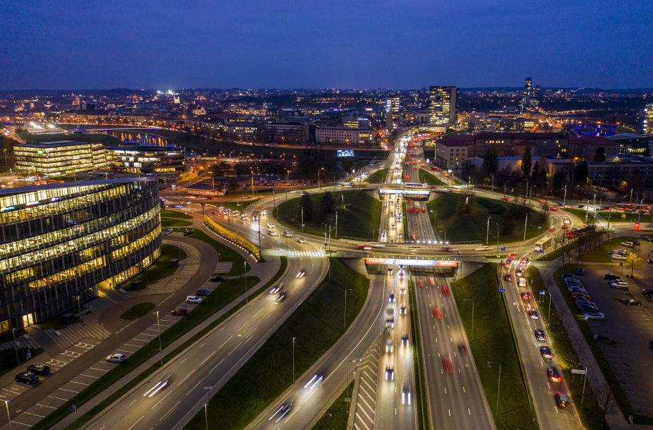Eismas Vilniaus gatvėmis karantino metu