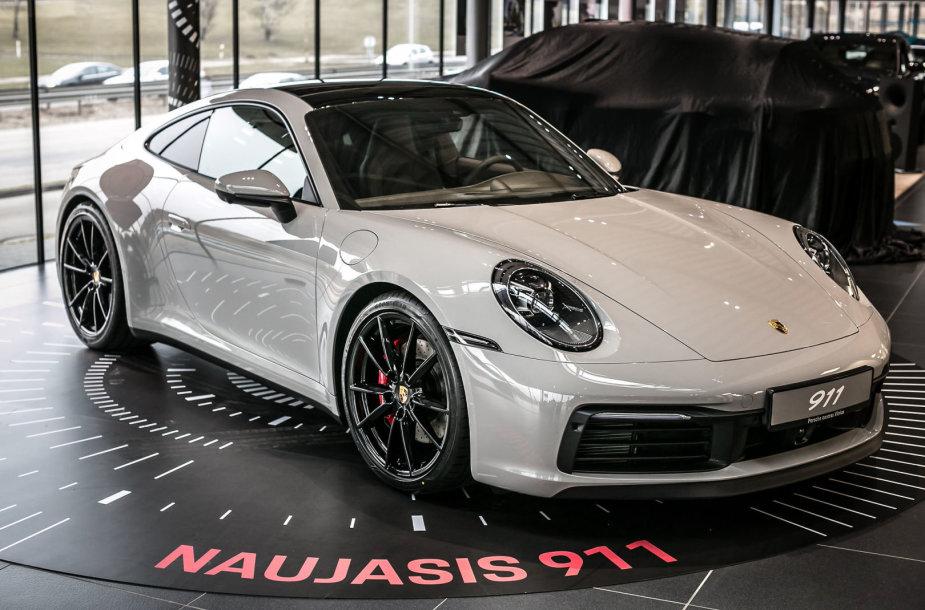"""Naujasis """"Porsche 911"""" atvyko į Vilnių"""