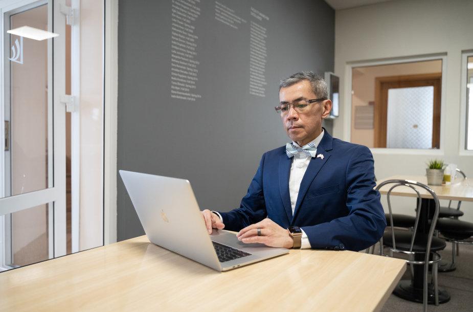 """Dr. Jeff Teo: """"Būdas kovoti su kibernetinėmis atakomis – sąmoningumo ir mokymosi skatinimas"""""""