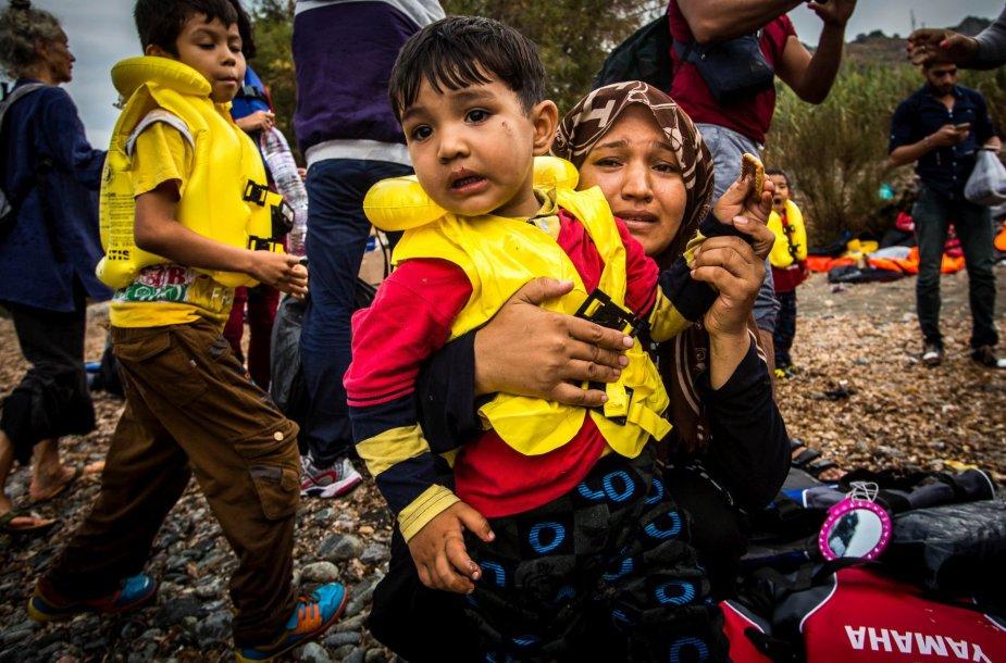 Migrantai ir pabėgėliai atplaukia į Lesbo salą