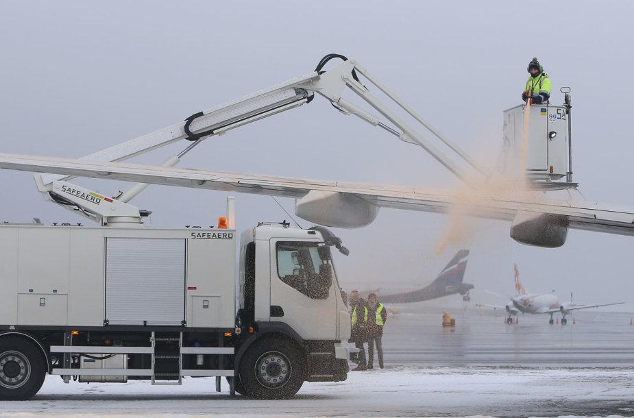 Moderniausia orlaivių nuledinimo mašina Lietuvoje