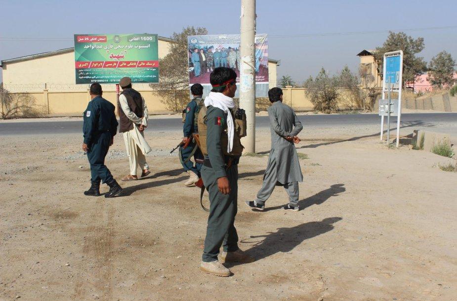 Talibanas pradėjo didelį puolimą Kundūzo miesto puolimą
